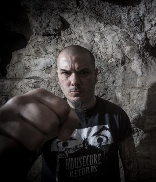 Phil_Anselmo1_fot_Jimmy Hubbard_Season_Of_Mist